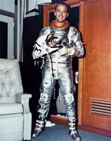 Alan Shepard is 1st American in Space