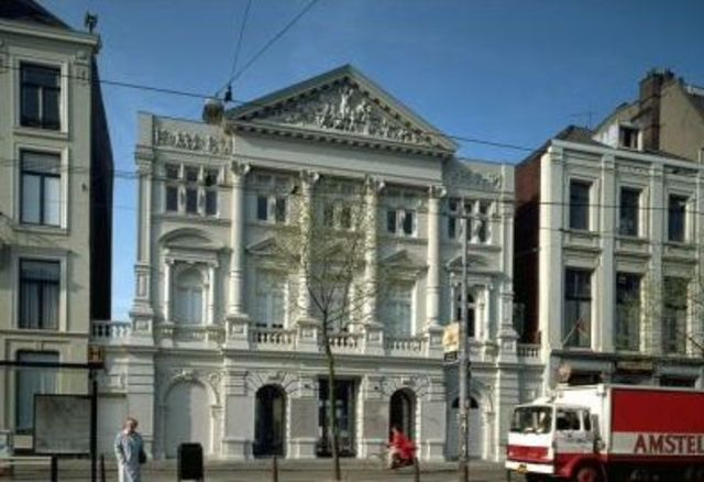 Schouwburg Theater, the 1st in Amsterdam, opens