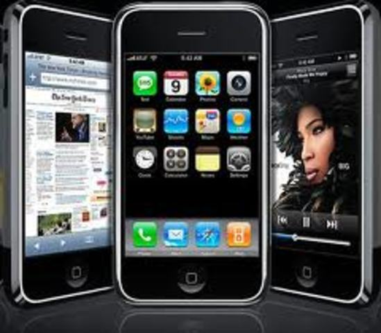Apple introduces iPhone 1g,
