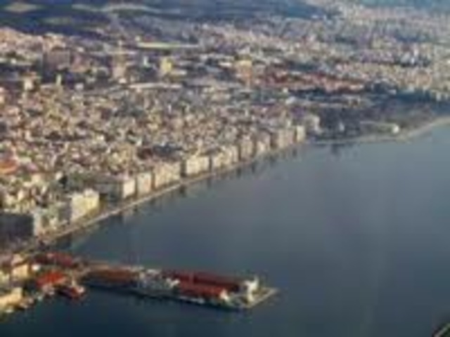 Arrives in Thessaloniki to learn Turkish for law studies