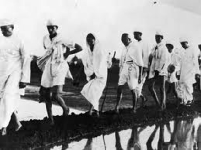 Beganing of the Salt March