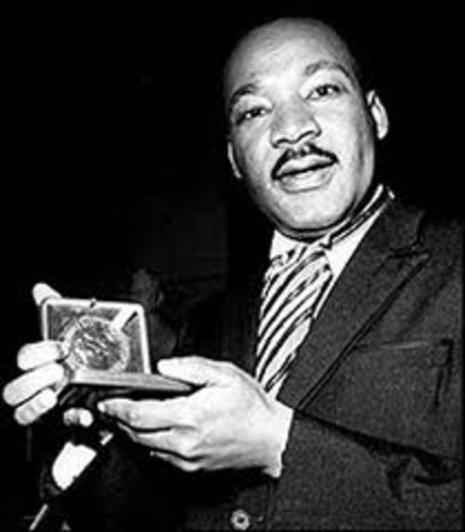 King recieves a Nobel Peace Prize