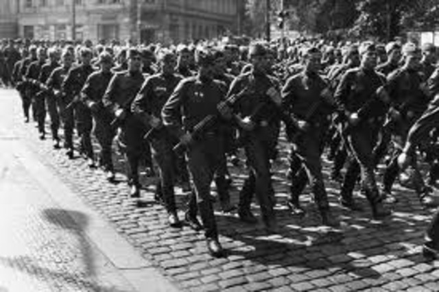 Soviet troops crush Czechoslovakian revolt