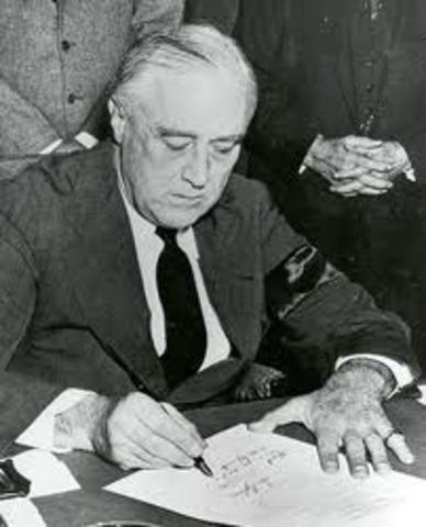 Roosevelt asks to declare war