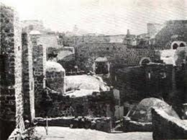 Lives in Jerusalem at beginning of WW1 where he recruits 40 Jews into a Jewish militia to assist Ottoman Empire
