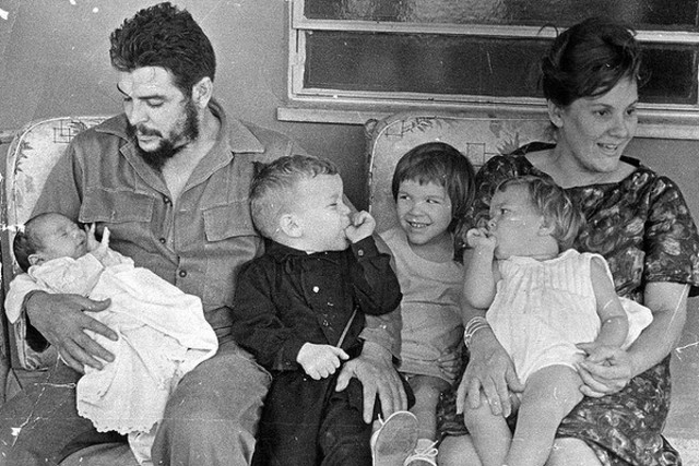 Che Gets Married