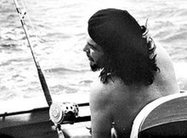 Che Goes Fishing