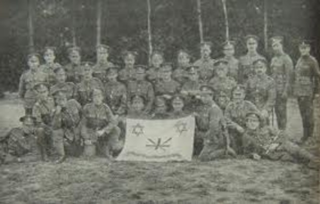 Joins British Army as part of 38th Battalion of the Jewish Legion