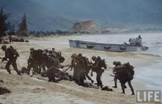 First U.S. troops arrive