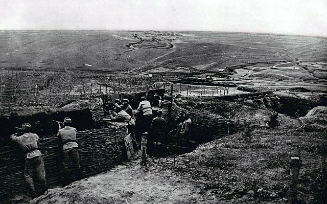 Russia begins to mobilise her armed forces. Austria-Hungarian troops invade Serbia.