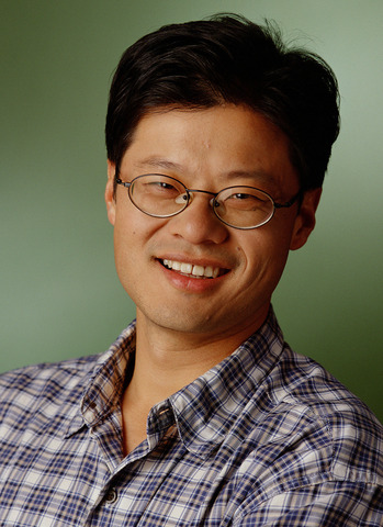 Jerry Yang Replaces Terry Semel