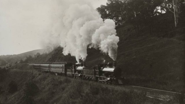Locomotives contained steam engines