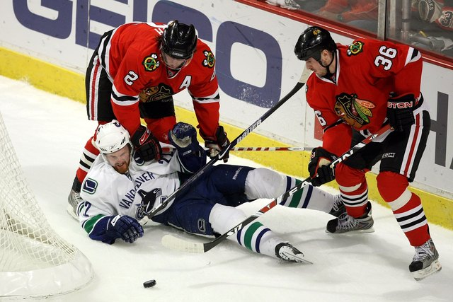 Sedin out with concussion