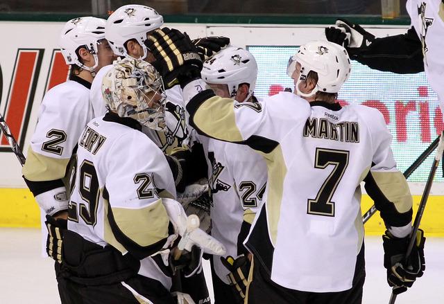 Penguins run riot in 10-3 win