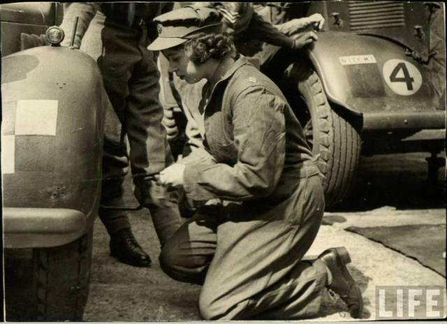 Elizabeth Volunteers During WWII