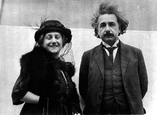 Einstein contrajo matrimonio con su prima Elsa.