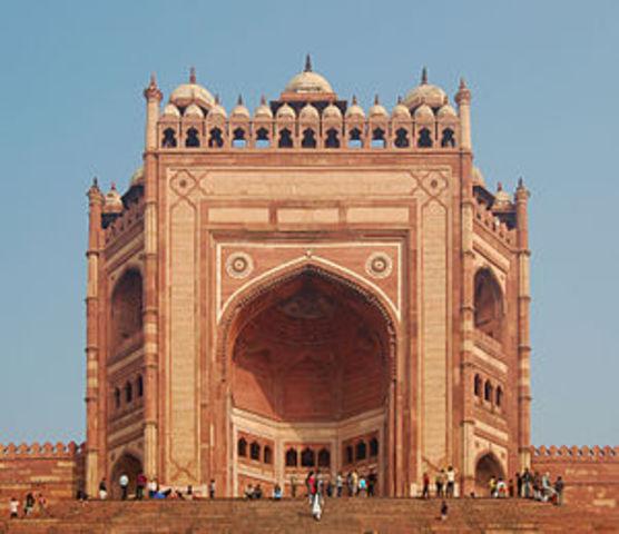 Buland Darwaza built