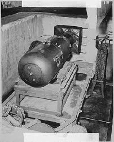 Soviet Union successfully detonates their first atomic bomb
