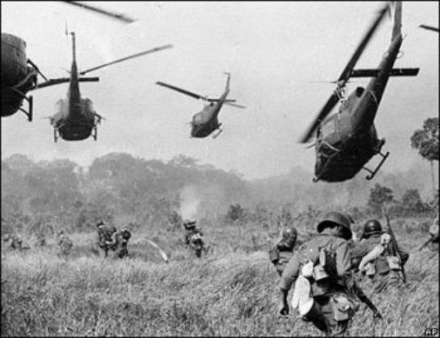 First Helicopteers Arrive in Vietnam -Vietnam War