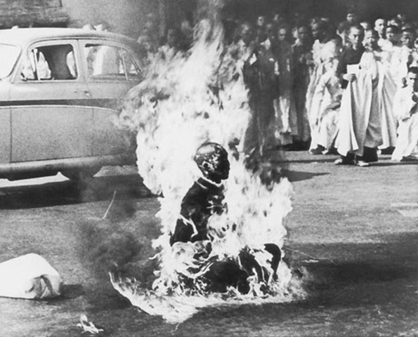 Monk Sets Himself on Fire -Vietnam War