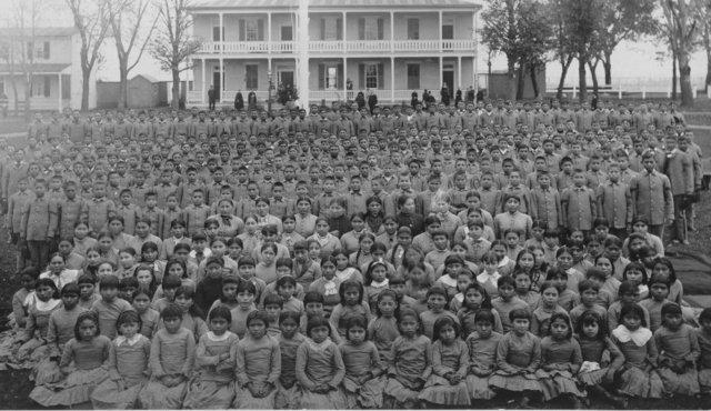 1879  government run boarding school opened in Carlisle, Pennsylvania.