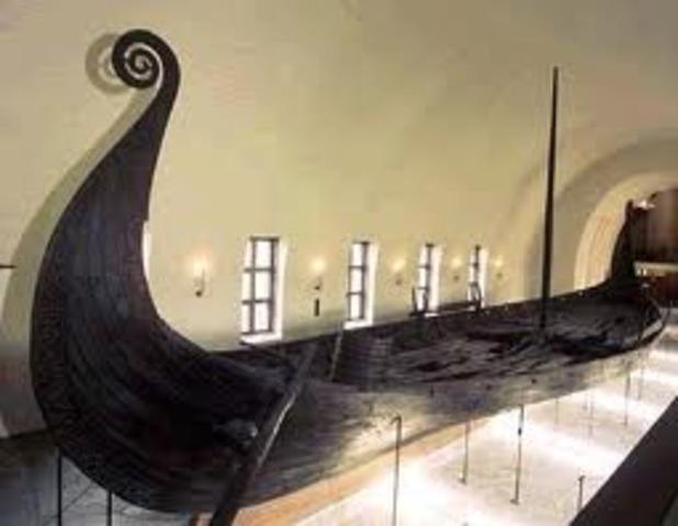 Des voiliers vikings arrivent à Terre-Neuve.