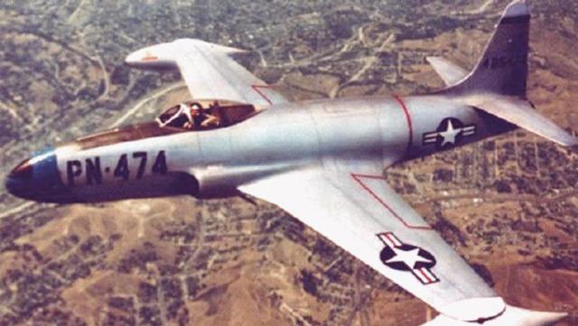 First jet airplane takes flight