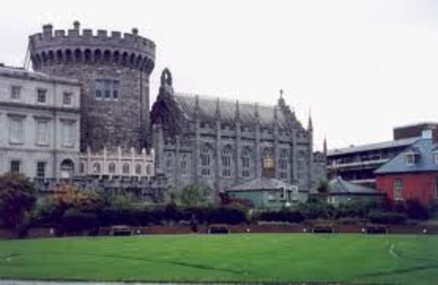 853 - Établissement de colonies de Vikings norvégiens à Dublin et ailleurs en Irlande