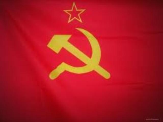 Russian Revolutin ends; Communists take power.