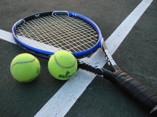 Läksin tennist mängima.
