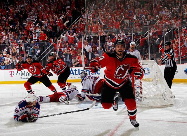 Henrique, Kovalchuk set Devils record