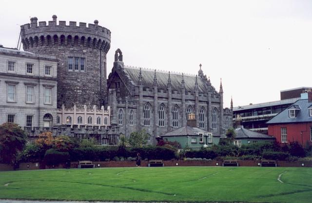 Fondation de la ville de Dublin en Irlande par des colons vikings danois