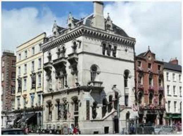 fondation de la ville de Dublin en Irlande par les colons vikings Danois