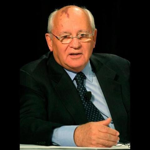 1988 gorbachov propone la perestroika y la glasnost