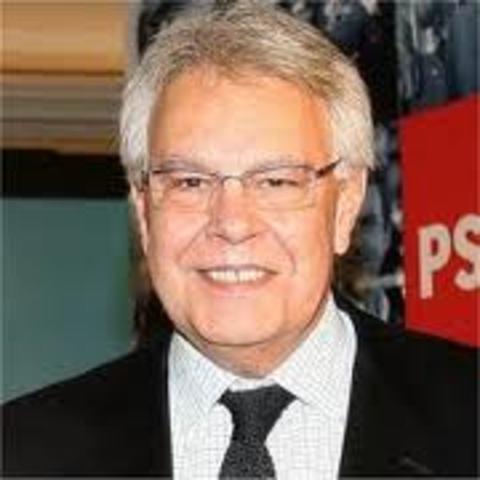 presidente del gobierno:felipe gonzalez (PSOE)
