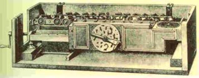 Charles Babbage presenta un proyecto de  máquina diferencial capaz de calcular polinomios