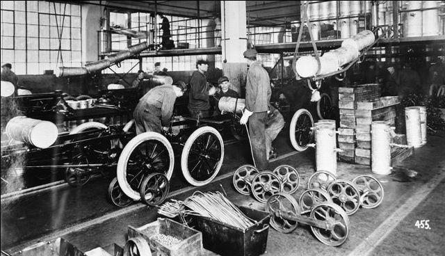Ford: Linea de ensamblaje