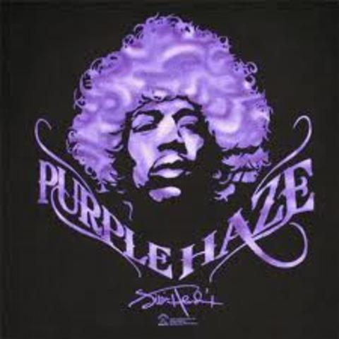 Purple Haze, par Jimi Hendrix est sorti en 1967. Il à composé le chanson en 24, decembre, 1966.