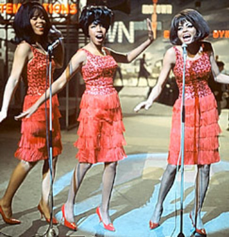The Supremes debut in Detroit
