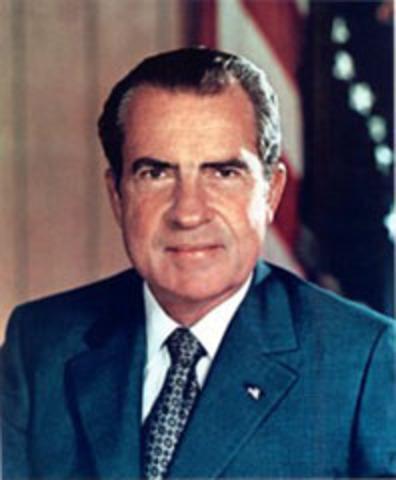 Nixon announces his resignation