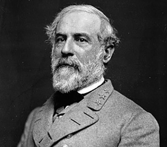 Robert E. Lee takes charge