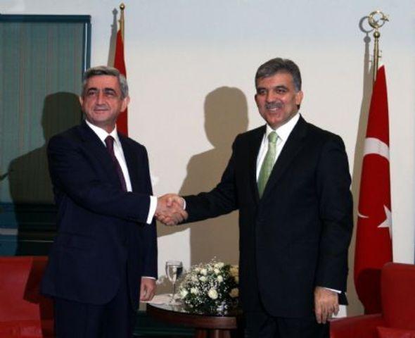 Abdullah Gul first president to visit Armenia