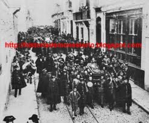 Estalla una huelga general en Catilblanco (Badajoz)