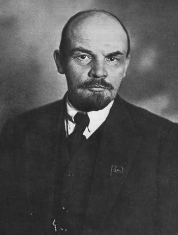 Lenin regresa a Rusia