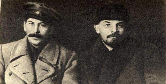 Muere Lenin y le sucede Stalin