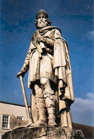 Alfred cède une partie du territoire Anglais aux Danois.