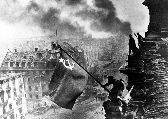 Las tropas soviéticas entran en Berlín