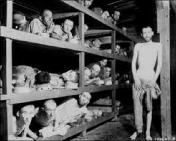 Los primeros judíos alemanes son deportados del Deutsches Reich (Imperio Alemán) a Polonia.