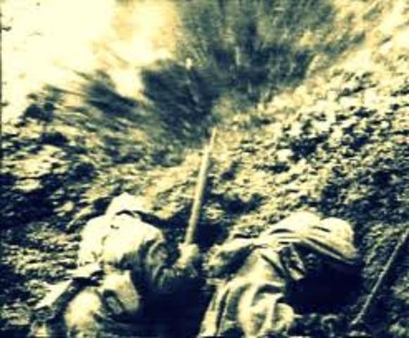 Gran Bretaña le declara la guerra a Finlandia, Hungría y Rumania.