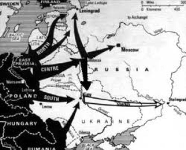 Una contraofensiva soviética empuja a los alemanes de las afueras de Moscú en caótica retirada.